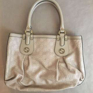 PRICE REDUCED- Gucci handle bag