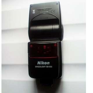 SB 600  Nikkon Speedlight