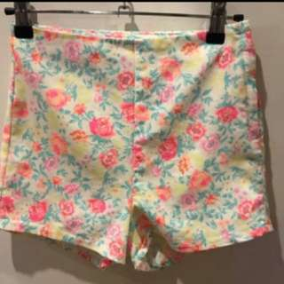 H&M Divided Floral Summer High waist Shorts
