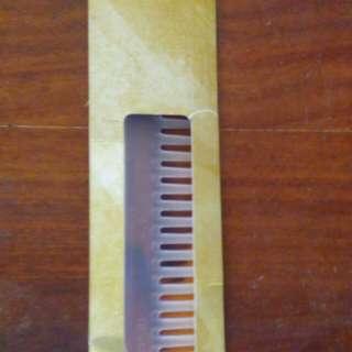 Nouveau comb