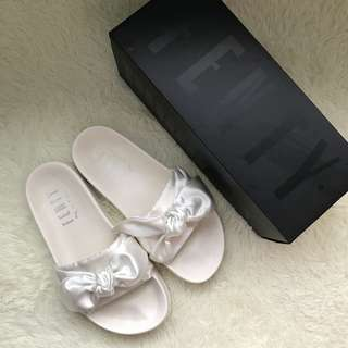 Sale!!! Puma Fenty White Bow Slide