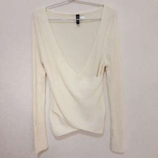 H&M's knitted blouse