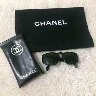 Flash Sale! Vintage Chanel CC Quilted Noir Sunglasses