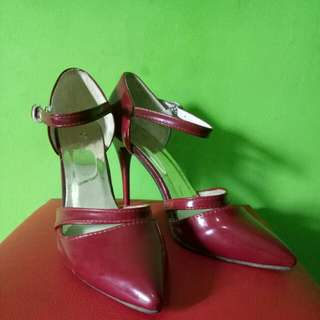 High heels warna merah 9cm