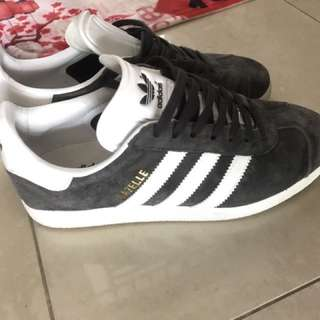 Adidas Gazelle good deal Original!