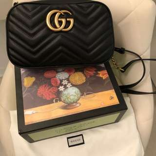 Gucci GG marmont bag small size