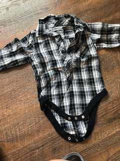 Baby collar romper (3-6m)