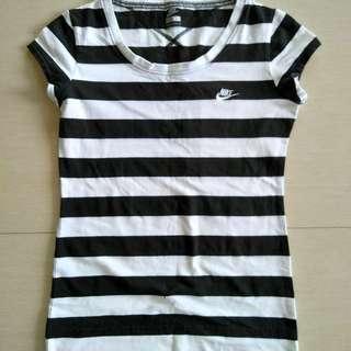 Nike stripes