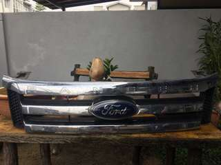 ford ranger 2.2 front grill (original)