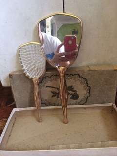 Goldplated Snow White Like Mirror and Comb