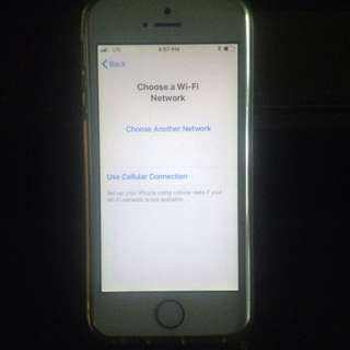 Iphone se 16 gb apple id issue+ iphone 4s 8gb + 2k swap to your.