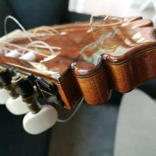Spanih Guitar (hand made)