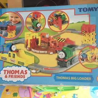 Pre-loved tomy thomas and friends big loader