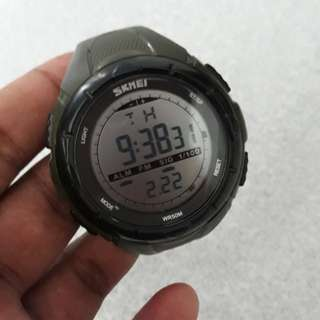 Jam Tangan Fashion/Sporty