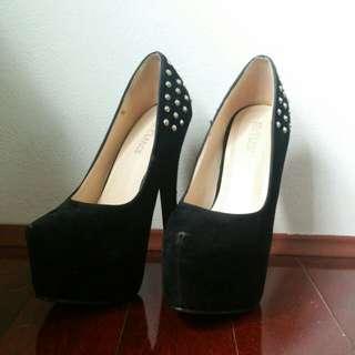 Freelance Shoes - Black Heels