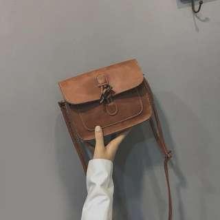🚚 【貝莉潮流】2018新款韓版時尚森林系東大門單肩鏡面復古斜背包