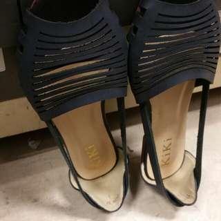 Women shoe KIKI BRAND $5 BLACK
