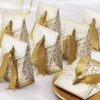 Wedding gifts favors - Golden gift box