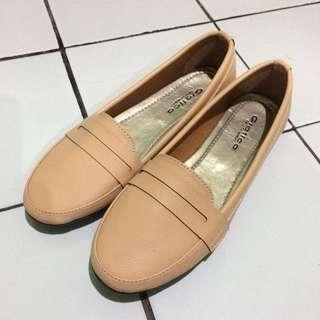 creamy flatshoes