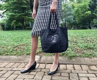 Auth Chanel Gift tote bag