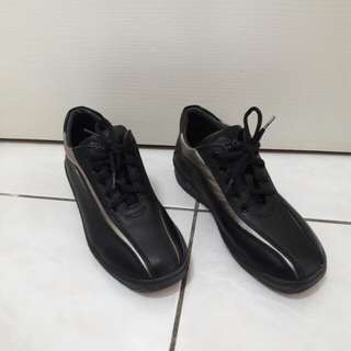 Leon Chang 休閒鞋