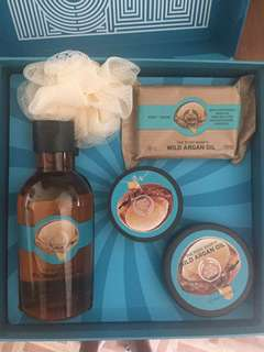 Body Shop Shower Set