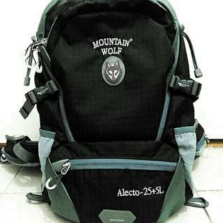 Mountain Wolf Alecto-25+5L背囊