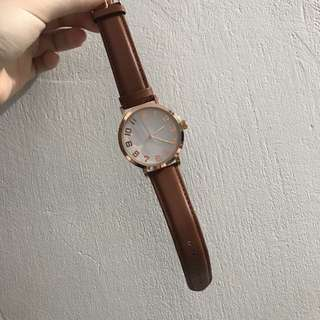 Classic Brown Strapped Analogue Watch