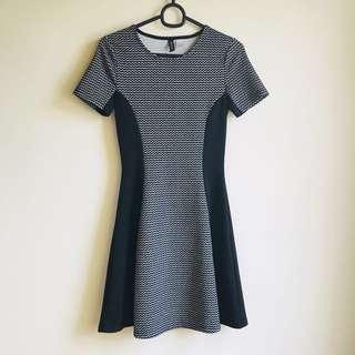 🚚 H&M 超超超顯瘦洋裝 - 只穿過一次