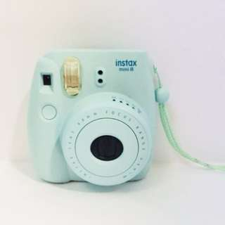 Instax Mini 8 pastel blue Polaroid