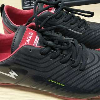 Sepatu futsal eagle