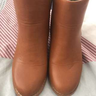 Brown Tan Leather Boots AU Size 7