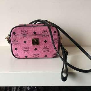 MCM 粉紅色小手袋