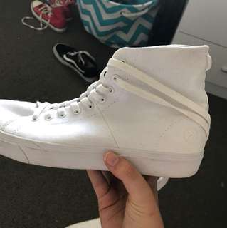 Kustom high tops size 9