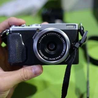 Kamera mirrorless fuji x70