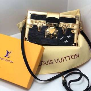 Lv mirror quality