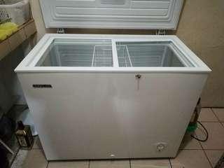 Condura Chest Type Freezer( slightly use)