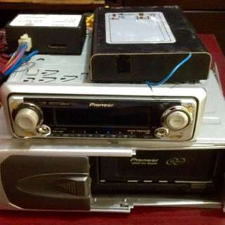 Pioneer vcd player + 12 disc changer