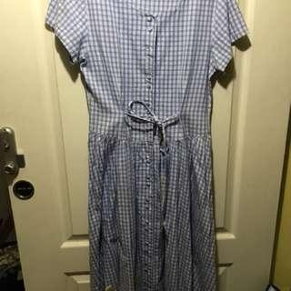 水藍細格大裙擺後收腰長洋裝