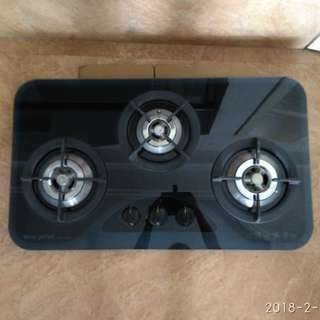 Almost new Tecno 3 X burners gas hob for sale