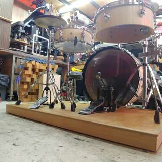Noise isolating platform for Drum set