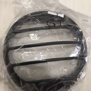Brand new headlight cover Vespa gts (left 4 pcs 24/2)