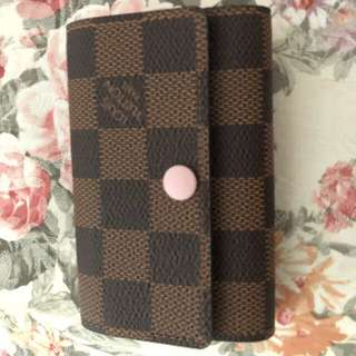 Pink LV coins keys holder