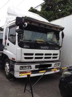 Isuzu model 1999 6-wheeler truck