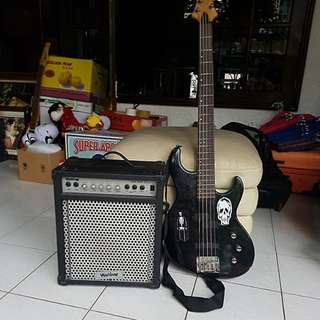 Base Guitar with amp
