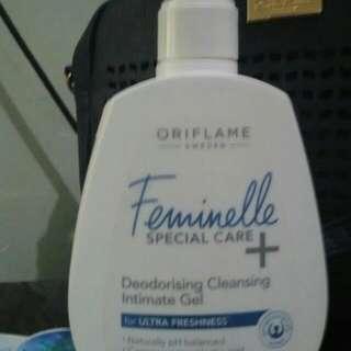 Feminelle pembersih kewanitaan,wangi,dan bersih