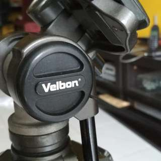 Velbon PH-157Q Fluid Head + Tripod