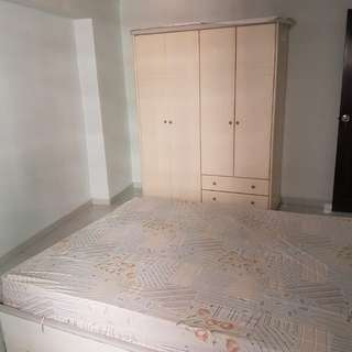 7mins to bishan mrt,  air con, wifi, washing machine, fan , queen size bed provided, quiet peaceful  place, 1 min to bishan park