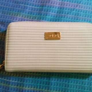 preloved xoxo wallet