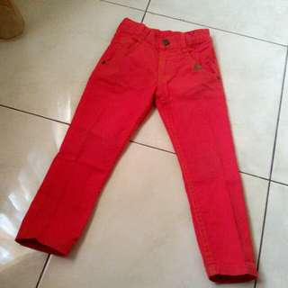 Red pants color in's